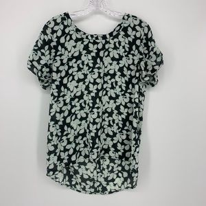 Halogen Blouse, Short Sleeve, Flower Pattern.